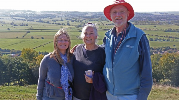 karen-pritchard-ruth-buckingham-phil-richardon-at-the-tor-in-glastonbury
