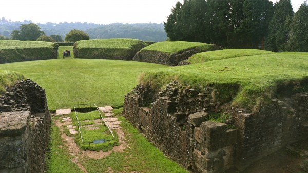 roman-amphitheater-at-caerleon